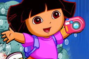 Play Dora Take Photos Underwater